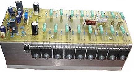 Projeto de um amplificador de 700 watts rms, com pares dos transistores 2sc5200 e 2sa1493.
